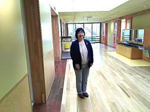 児童館の広い廊下。 廊下ですが、エアコンもついてます。 一つの広いスペースとして様々な用途に使う可能性大です。